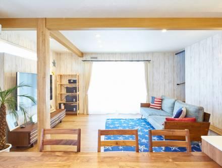 アメリカ西海岸風のお住まい。映画のワンシーンのような空間をデザイン。