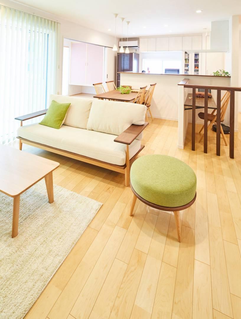 ナチュラルな空間デザインであたたかみを感じ、リラックスできるお住まい。